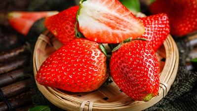 【现货】丹东99草莓三斤包邮红颜新鲜牛奶东港大奶油九九现摘